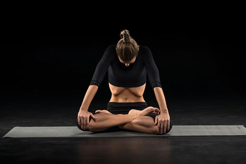 Girl practises Maha Bandha Yoga