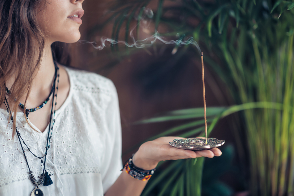 Honey Incense: Learn About the Soothing Benefits